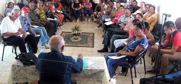 El_Che_pone_a_meditar_Pastor_1