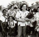 Mujer cubana con la luz ejemplar de Vilma Espín
